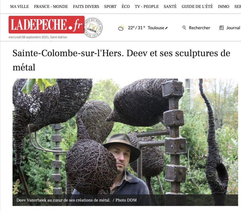 Sainte-Colombe-sur-l'Hers. Deev et ses sculptures de métal fil de fer abstraites