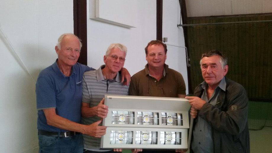 Das Bild zeigt von lks: 1. Vors. Jürgen Unger, Gerd Heinen, Alexander Herrmann und Matthias Hehs