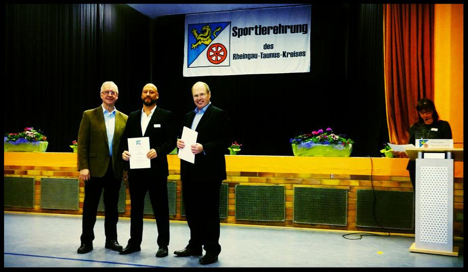 Der Rheingau-Taunus-Kreis verleiht die goldene Sport-Ehrennadel an Erol Alp, als Anerkennung für hervorragende sportliche Leistungen im Jahre 2016
