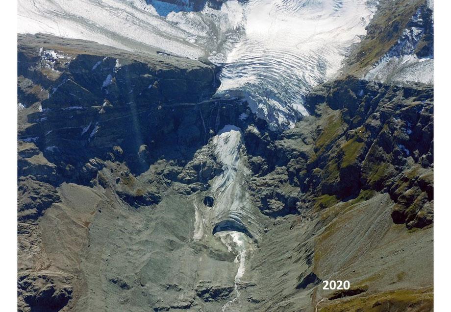 Und tatsächlich hat der Turtmanngletscher im Sommer 2020 die Verbindung zu seiner Gletscherzunge verloren, wie diese Aufnahme von Anfang September 2020 zeigt.