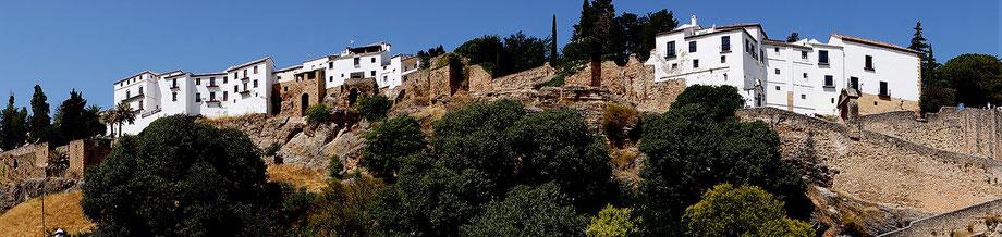 Photographie, Espagne, Andalousie, villages blancs, Ronda, architecture, blanc, bleu, matière, couleurs, oliviers, murailles, voyages, vacances, Mathieu Guillochon.