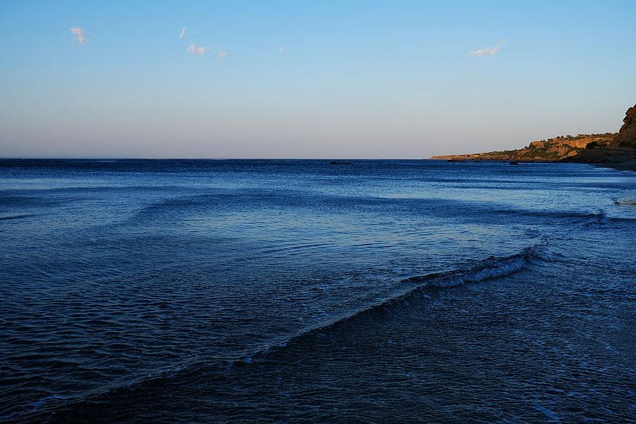 Mathieu Guillochon photographe, Grèce, Crète,Rodakino, Kprakas Méditerranée, voyage, mer, rivage, littoral, aube, été, bleu, calme