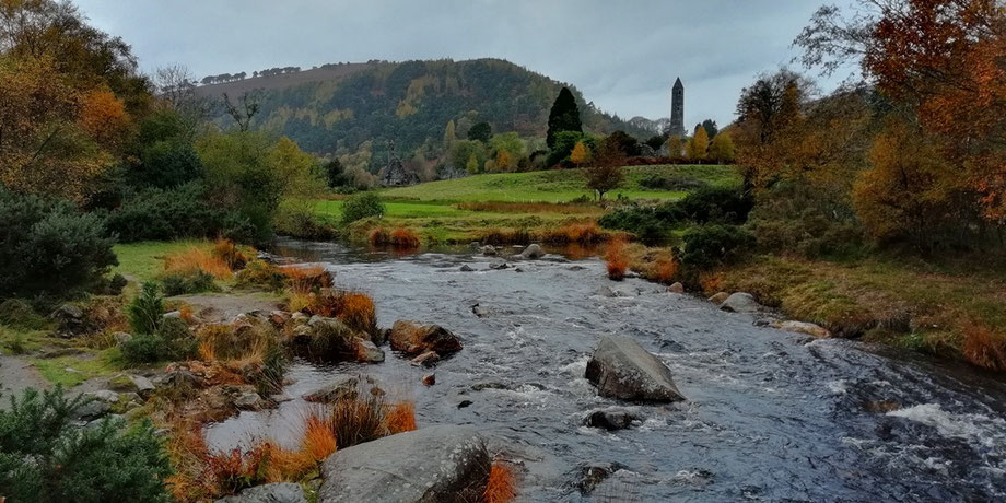 Sightseeing around Dublin - Glendalough round tower