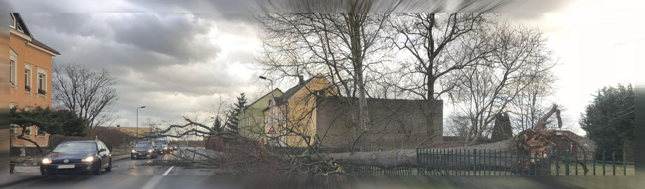 Stumtief Frederike - Bau versperrt Bundesstraße bei Leipzig