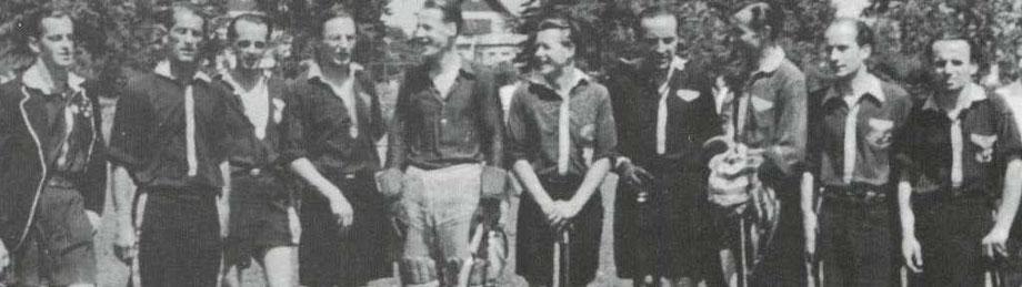 1. Herren des Harvestehuder THC in klassischen Hockeyhemden