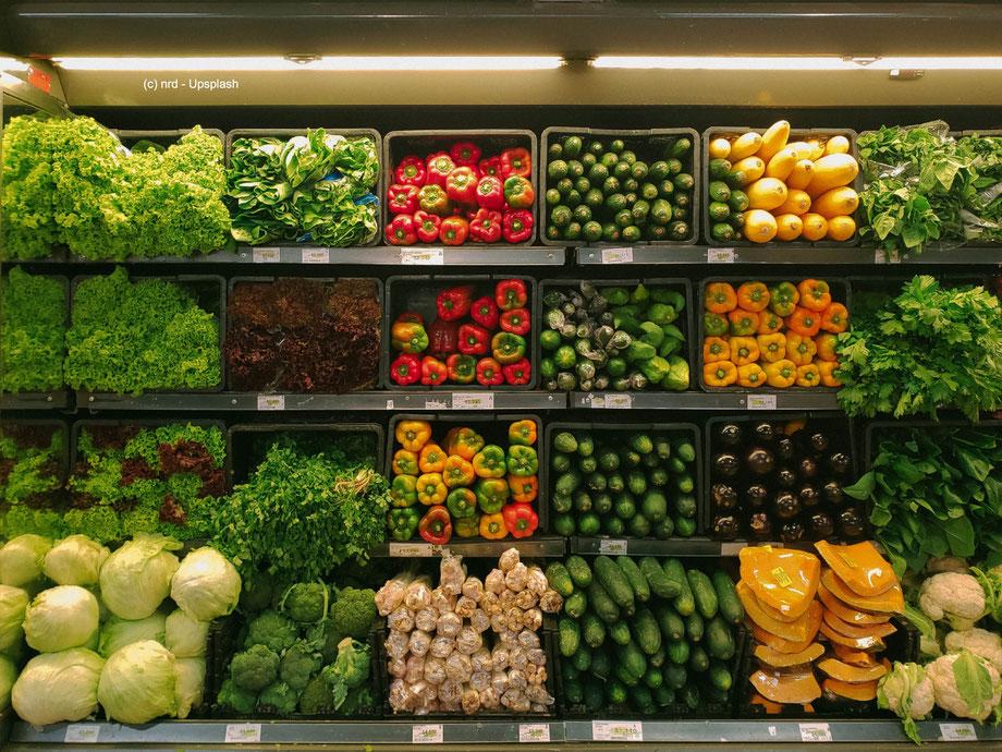 Wie auf dem Wochenmarkt verpackungsfrei einzukaufen, muss auch im Lebensmitteleinzelhandel zur Normalität werden.