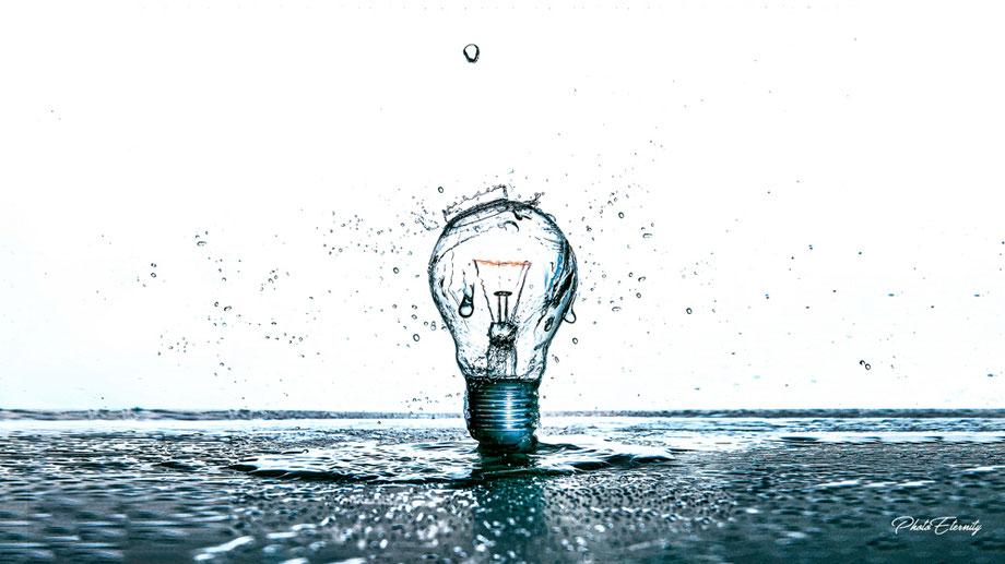 Leuchte im Wasser Photoeternity