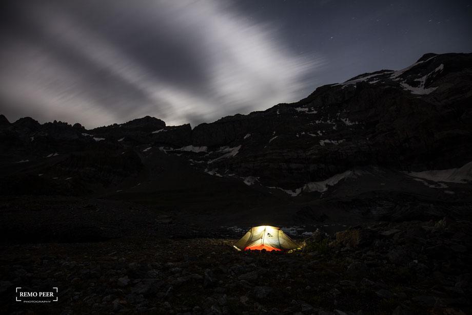 Biwak fotografiert nachts
