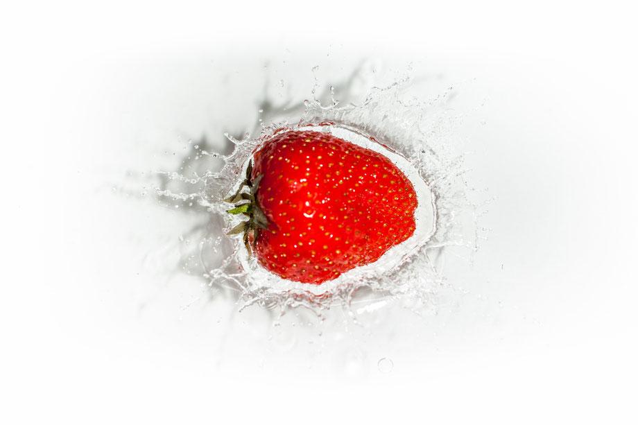 Wasserspritzer von Früchten fotografieren