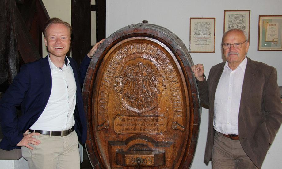 Der Bundestagsabgeordnete Jan Metzler und Oppenheims Stadtbürgermeister Walter Jertz (v.li.) pflegen einen offenen, herzlichen Umgang miteinander. Foto: Christopher Mühleck