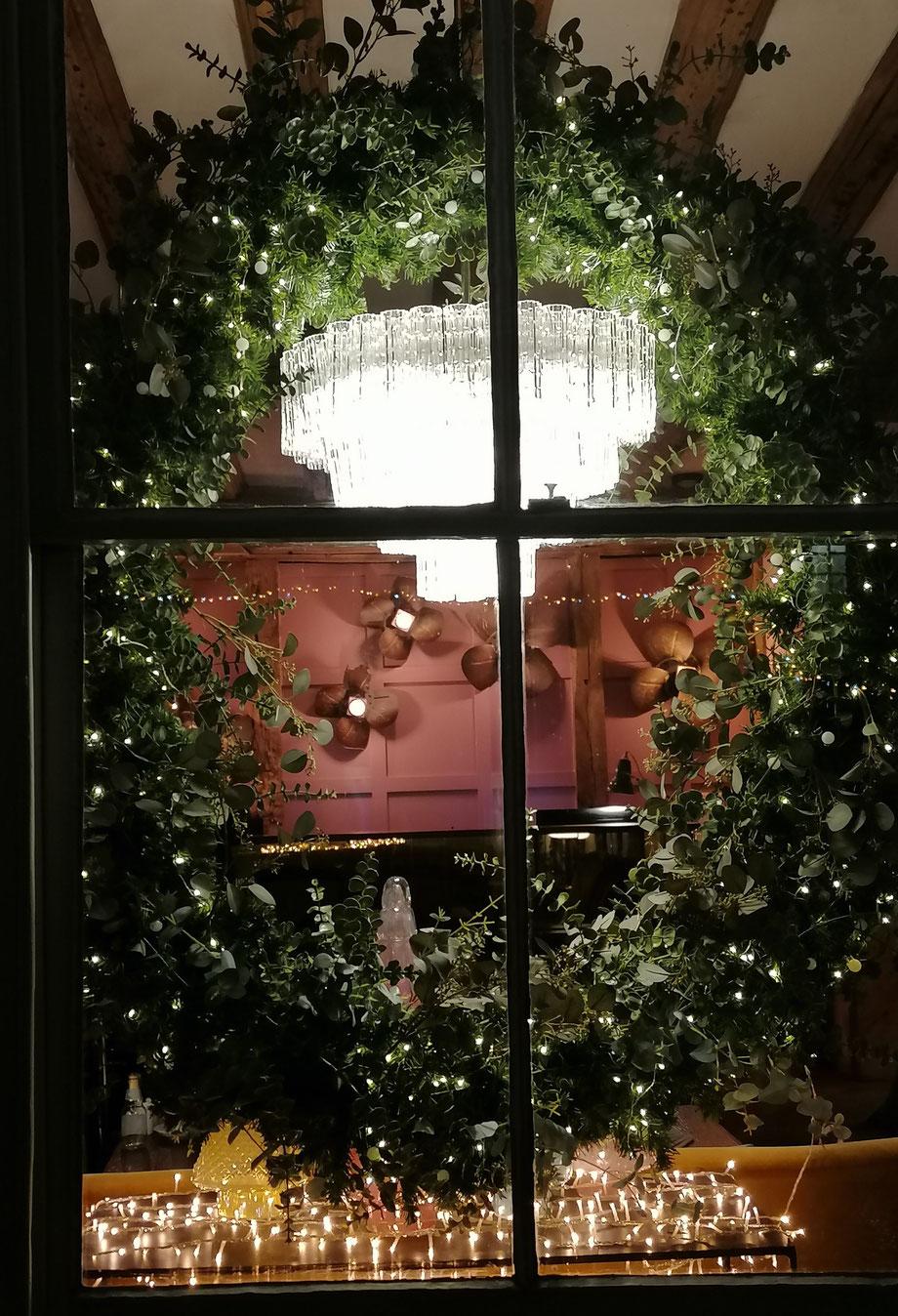 Festive Window, Falstaff Hotel, Canterbury.  Photo MSmith