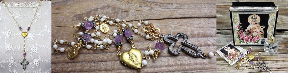 Gesegneter Rosenkranz gesegnete Rosenkranzkette Korallenkette Marienmedaillon vergoldet Kreuz Strass christlicher Schmuck Gebetskette Rosen Amethyst weiß lila