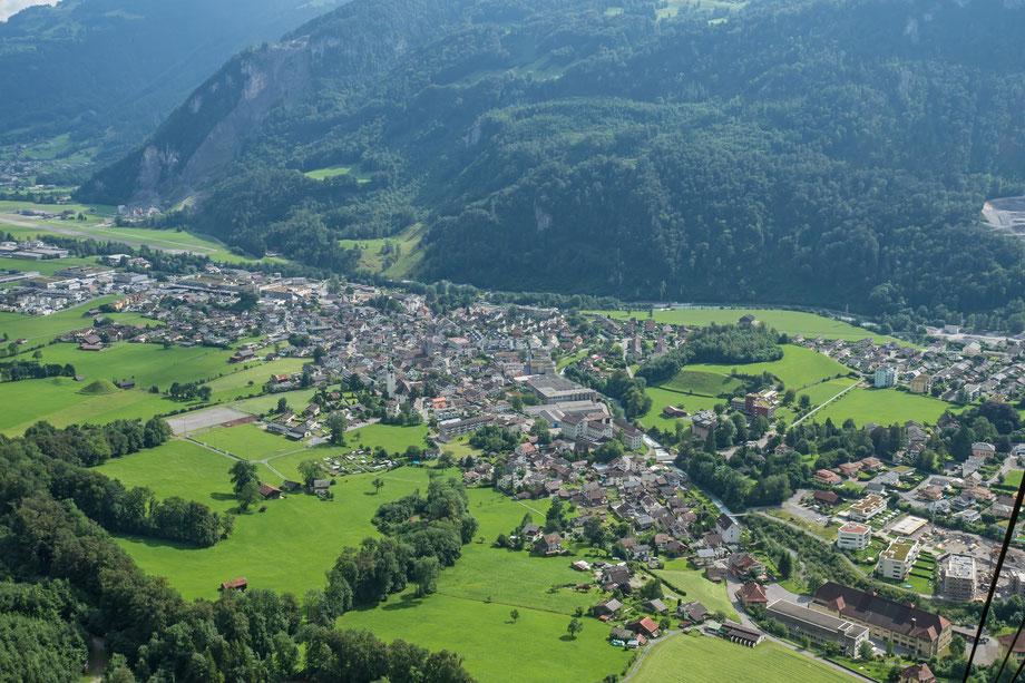 Dorf von der Seilbahnkabine aus