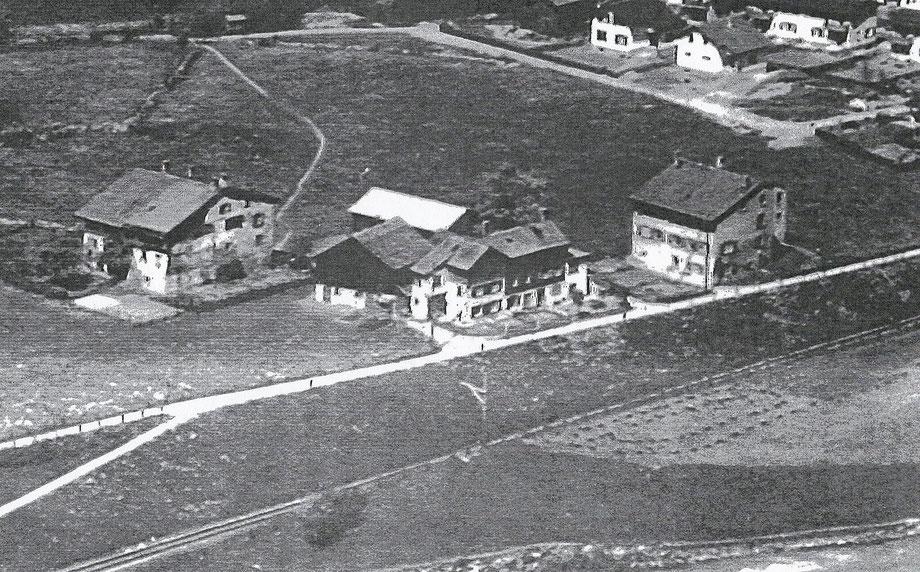 Weiler Leuzingen vor dem Abbruch der Häuser.