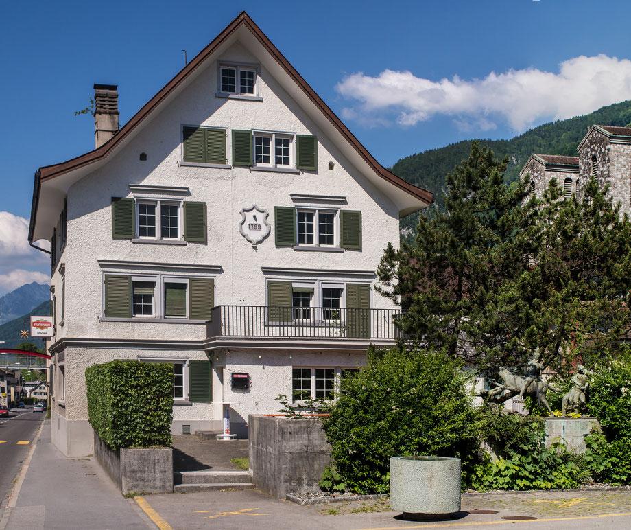 Rothausplatz 5, Koordinaten 722715 213579. Aufnahmedatum: 16. Juni 2013