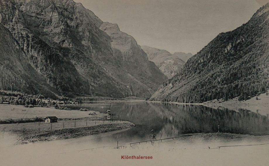 Klöntalersee vor Beginn der Bauarbeiten (zeitgenössische Ansichtskarte)
