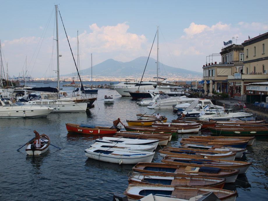 Napoli, il Borgo Marinaro