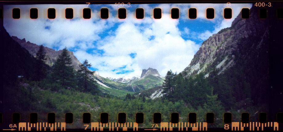 Valle Stretta, Bardonecchia (Lomography Sprocket Rocket Camera)