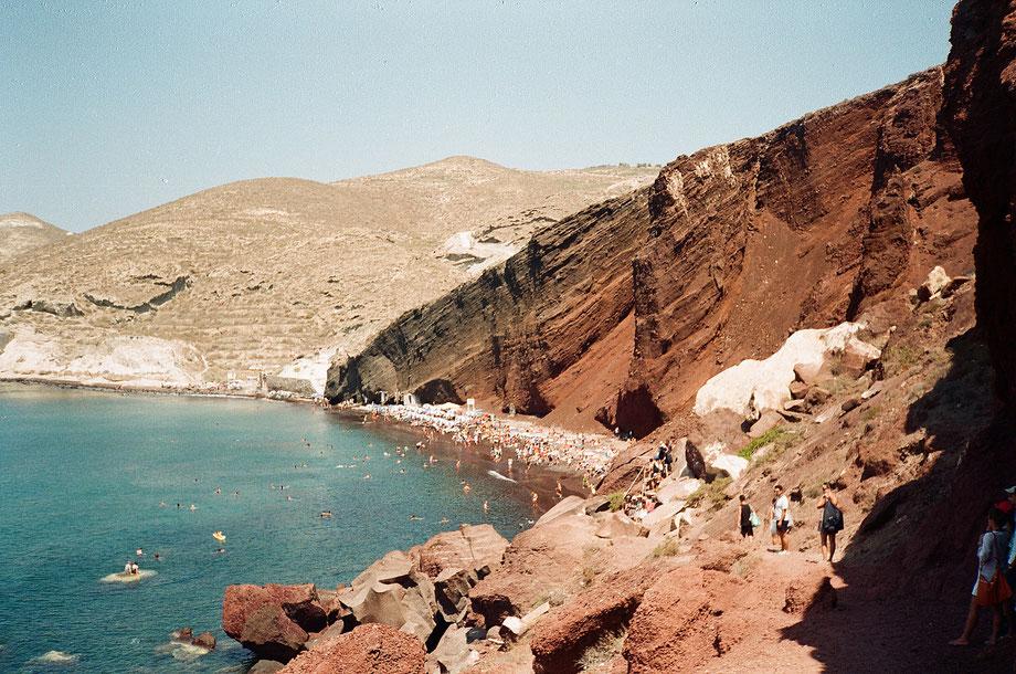 Santorini, Red Beach (with Minolta 35 Weathermatic and Fujifilm x-tra 400)