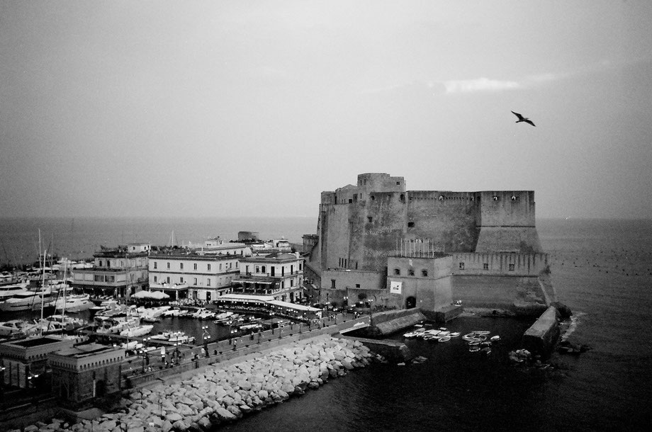 Napoli, Castel dell'Ovo (with Leica Mini and Kodak BW400CN film)