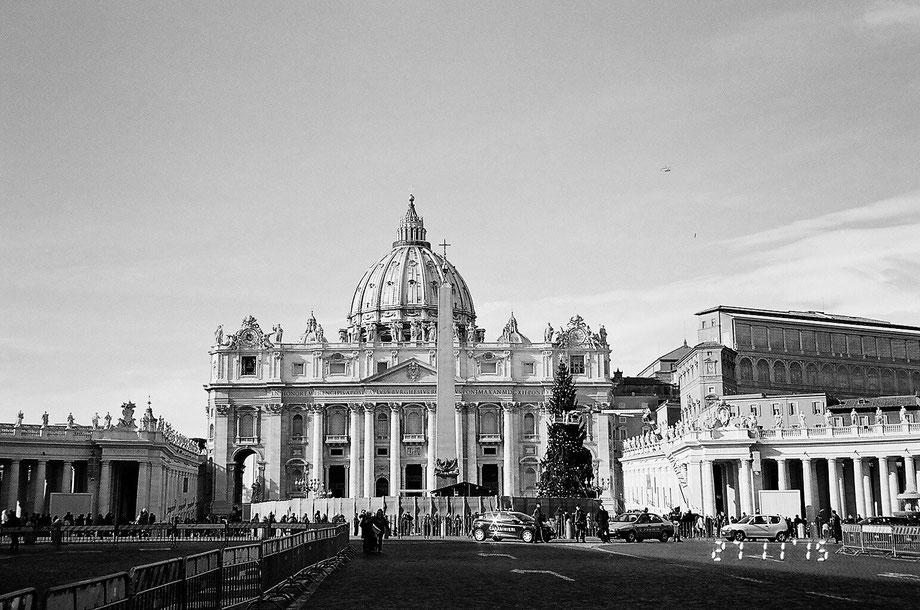 Rome, Piazza San Pietro  (with Leica C2 Zoom and Ilford XP2 400 film)