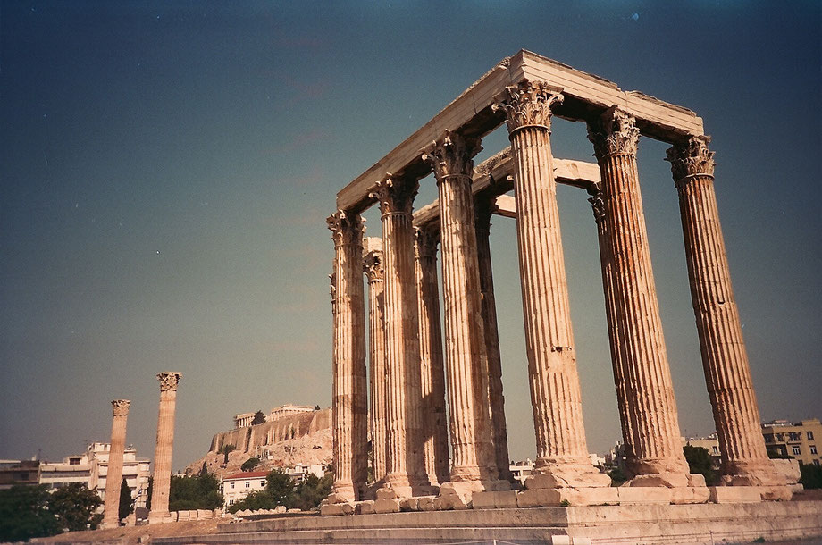 Athens, Zeus Temple (with Lomo LC-A and Lomography Cine Still 400 Film)