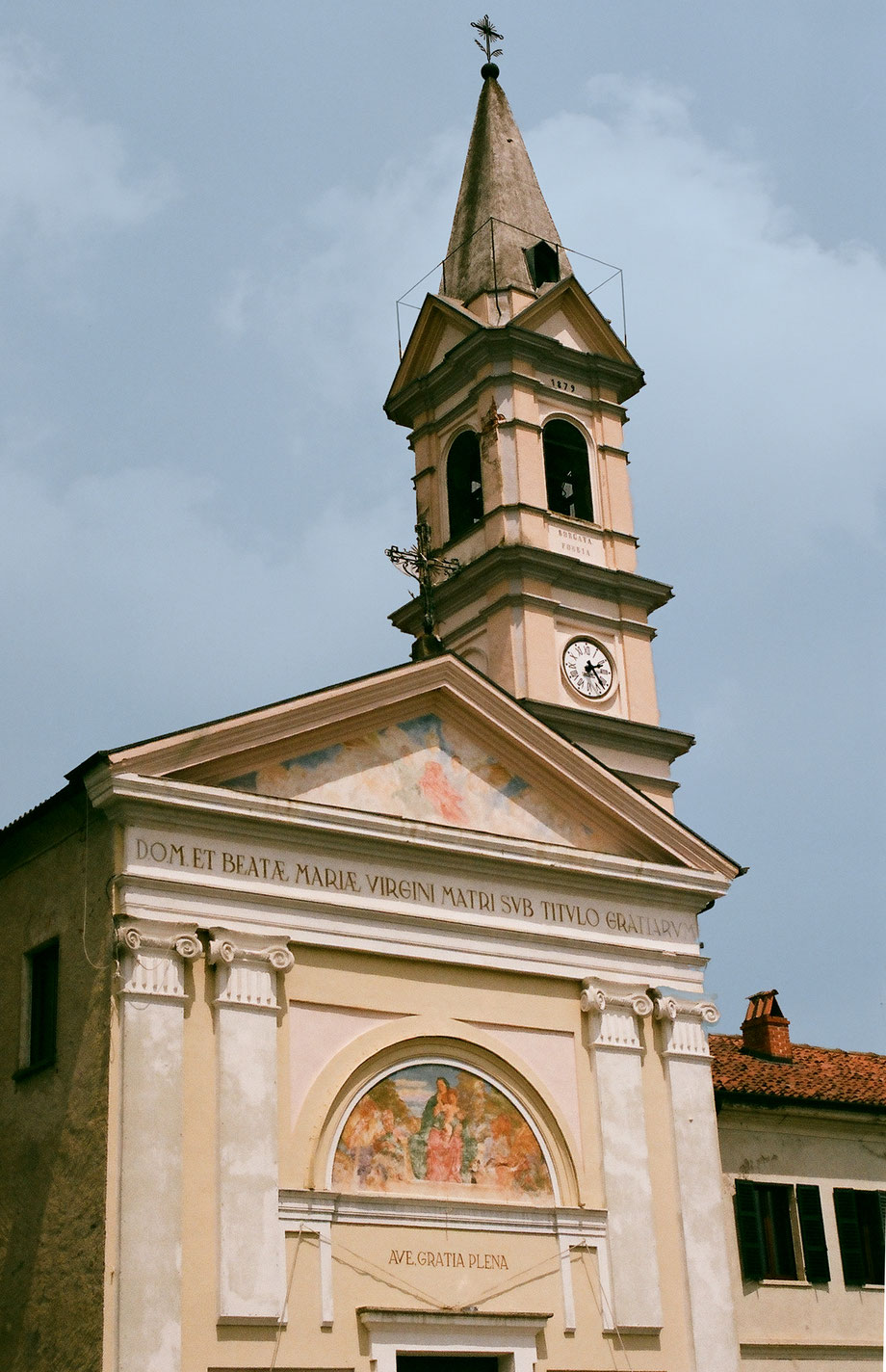 Pobbia (Azeglio), Beata Vergine delle Grazie, Canavese, Italia (with Olympus OM 101 and Agfa Vista Plus 400 Film)