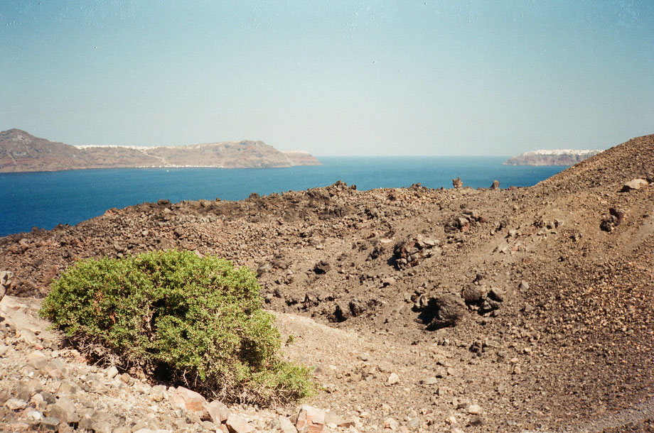 From Caldera, Santorini (with Minolta Weathermatic 35 and Fujifilm x-tra 400)