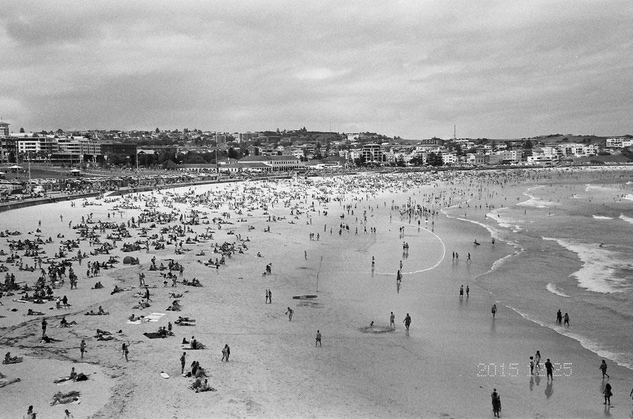 Bondi Beach, Christmas 2015 (with Leica C1 and Ilford XP2 400 Film)