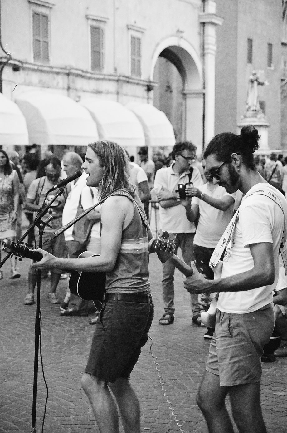 Ferrara, Buskers 2016 (with Ricoh Mirai Camera and Ilford 400 XP2 Film)