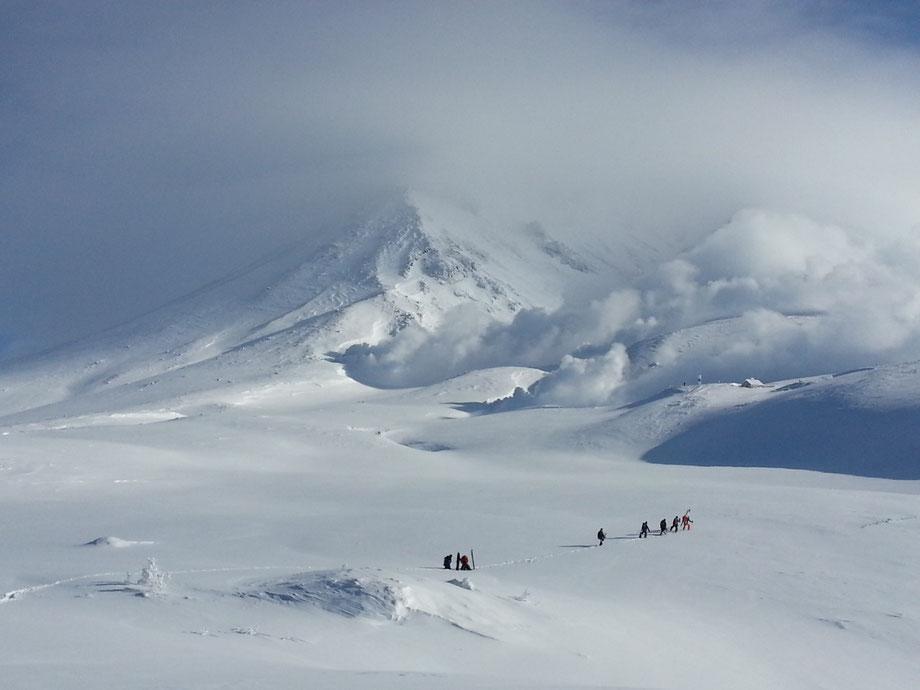 fumarole-ashidake-ski-japan