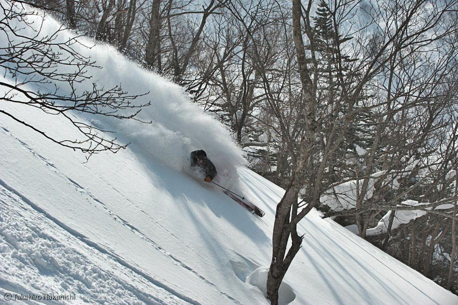 Hokkaido-powder-guides-freeride-furano-ski-resort