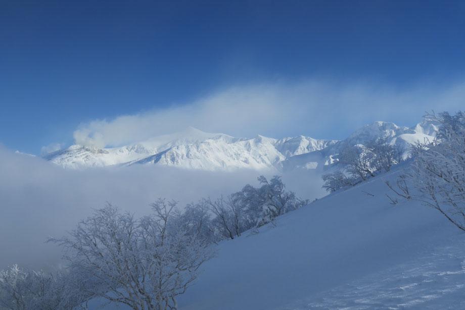 Tokcahidake-volcano-backcountry-ski-japan
