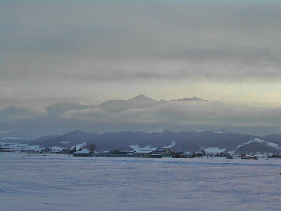 Tokachidake-Hokkaido-japan-ski-snowboard-ski-guide