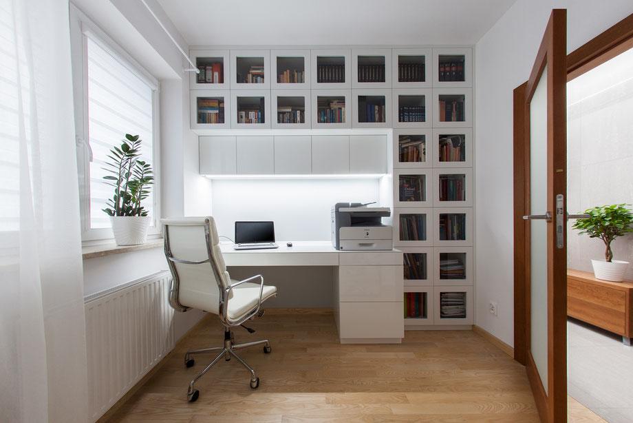 Gabinet; Domowe biuro;
