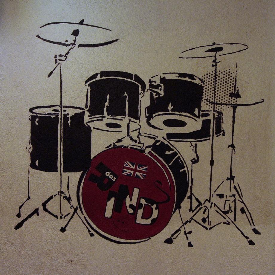 """im """"Das Rind"""" auf die Wand gemalt (Toilettenbereich)"""