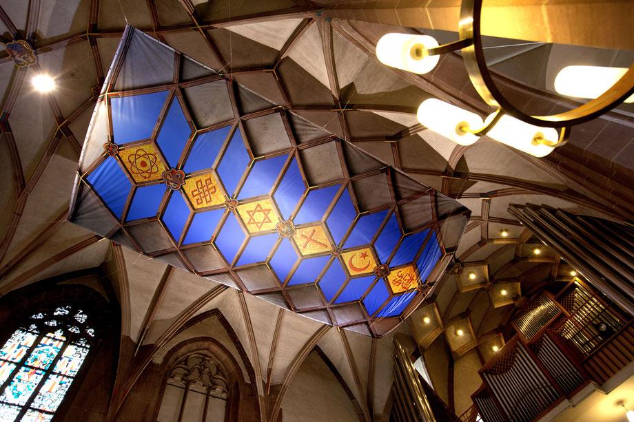 Kirche, Kunst, Kirchenfenster, Rauminstallation, Objekte, Evangelischer Kirchentag, Stuttgart, Berlin