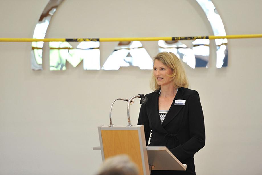 Heike Henkel, Olympiasiegerin im Hochsprung bei ihrem Vortrag
