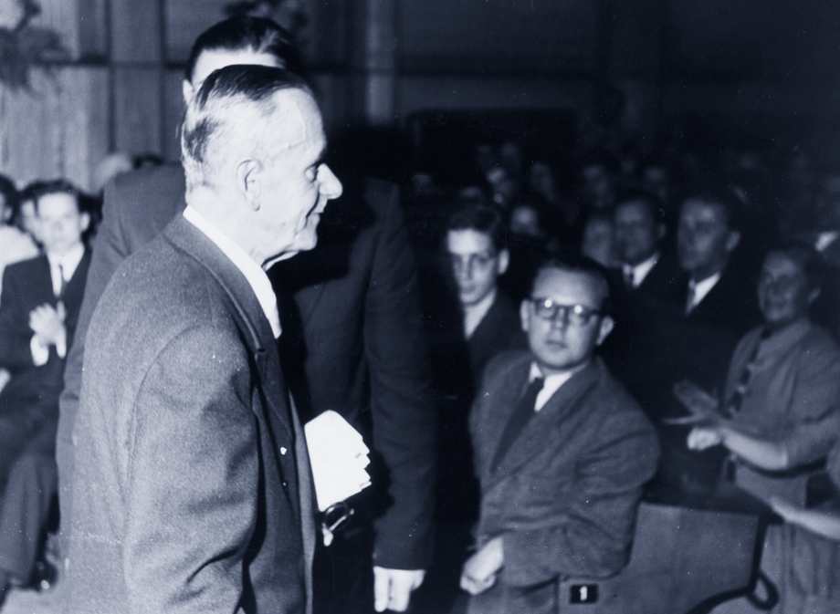 "Thomas Mann: Lesung aus ""Felix Krull"" vor Teilnehmern des Internationalen Sommerkurses, Köln 1954"
