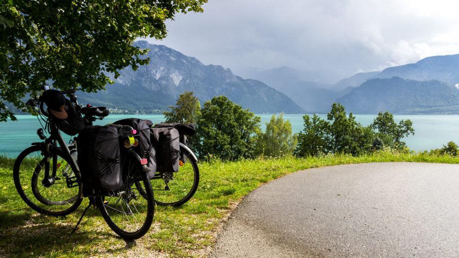 vue sur le lac à vélo