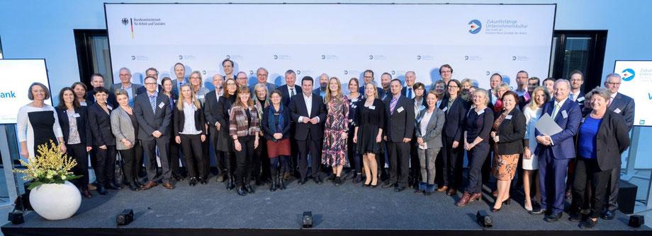 Auszeichnung der Unternehmen und Organisationen durch den Arbeitsminister Hubertus Heil im November 2019