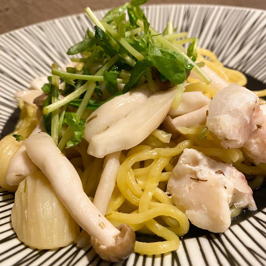 ✦    愛媛県産 真鯛ときのこ(しめじ、エリンギ茸)ととびっこの和ーリオ オーリオ 1,090円(税込)※唐辛子を使っています