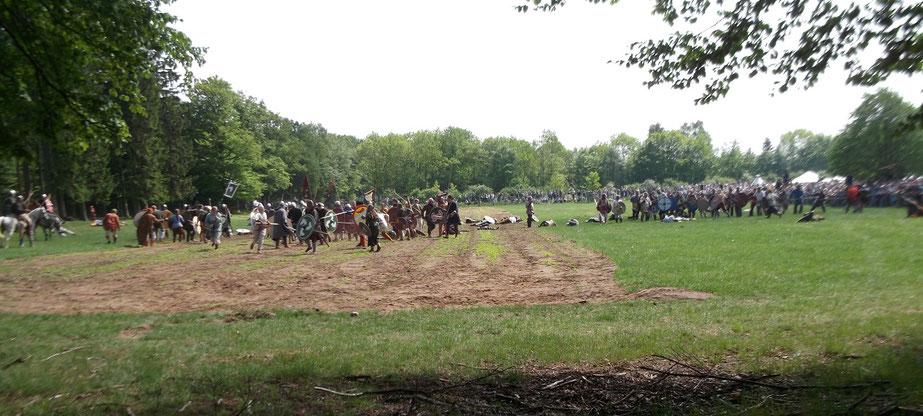 Nachstellung der Schlacht im Eisenwald