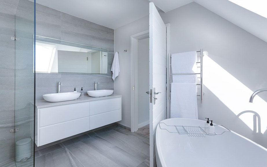 4 Ways to Create a Minimalist Bathroom