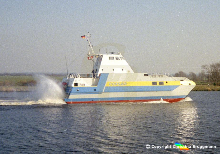 Versuchsboot von Blohm + Voss CORSAIR, auf dem Nord-Ostsee Kanal 1990