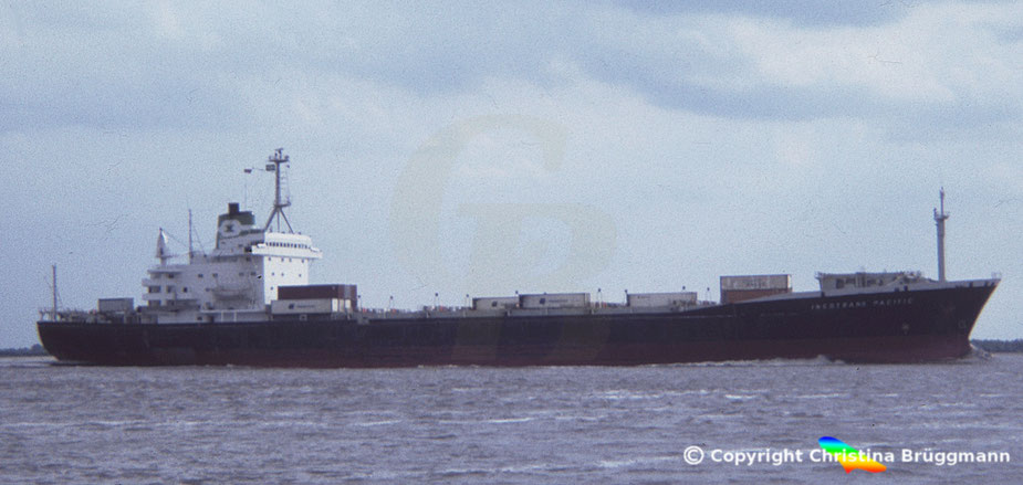 "Containerschiff ""INCOTRANS PACIFIC"", 1979 umgebauter Combifrachter HOECHST (II) der Hapag-Llloyd AG, 1985 auf der Elbe"