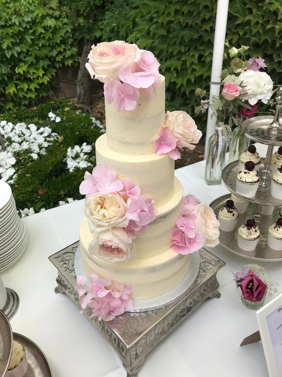 4- stöckige Hochzeitstorte