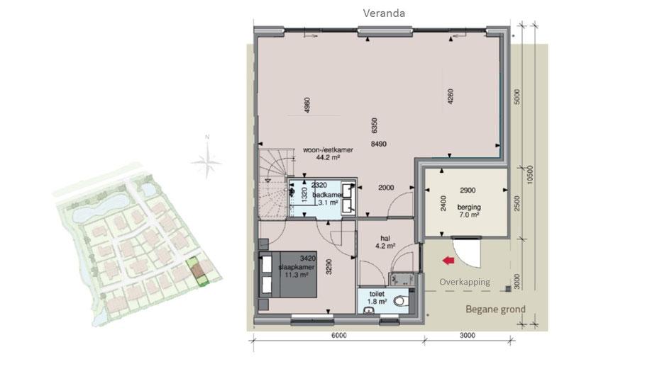 im garten steht ein gro er esstisch f r 8 personen und ein lounge. Black Bedroom Furniture Sets. Home Design Ideas
