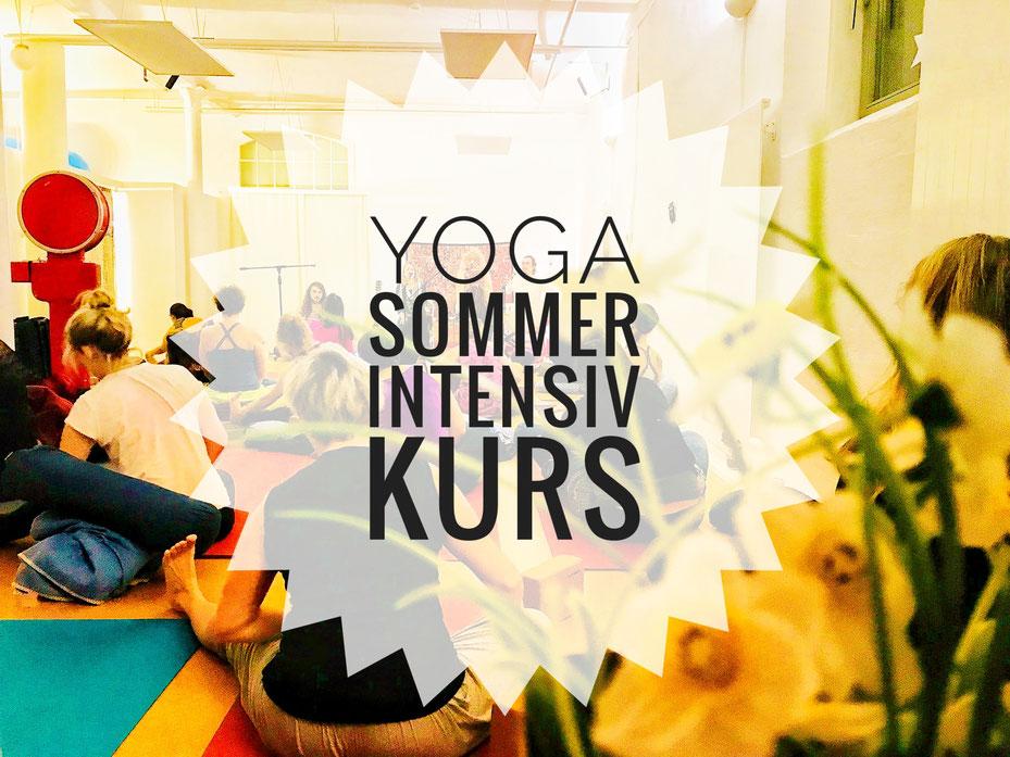 Yoga Sommer Intensiv Kurs mit Regina Potocnik im Amazing Yoga Vienna