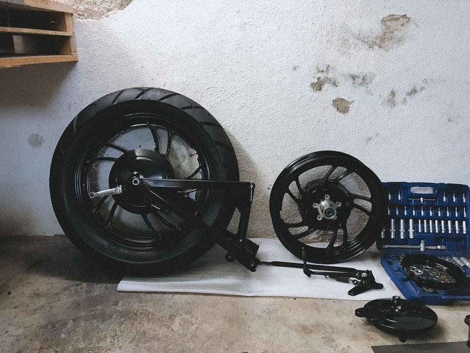 yamaha xv750 se 5g5 cafe racer basis projekt custom umbau rennen kult auspuff heckrahmen lenker sitzbank tank felgen stoßdämpfer motor